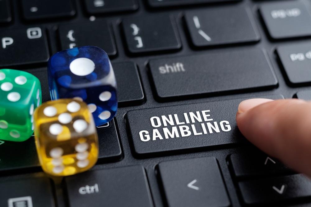 كيف تعمل المقامرة عبر الإنترنت